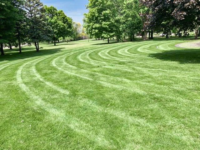 HOA Lawn Maintenance in Sterling Heights
